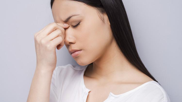 Phụ nữ có 4 dấu hiệu lạ trên mặt cảnh báo tử cung đầy bệnh tật, để lâu tổn thọ - Ảnh 1