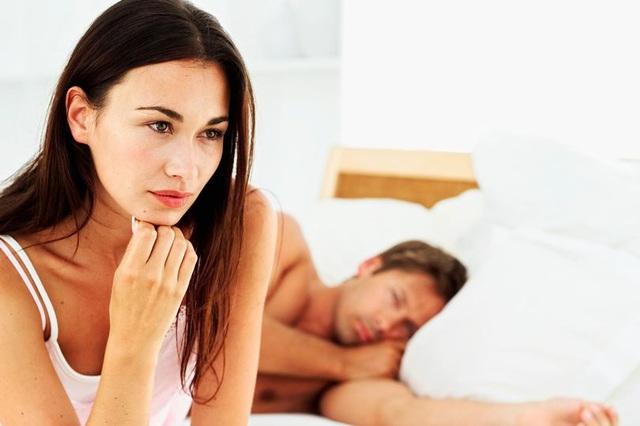 Chán nản chuyện giường chiếu với ông chồng vừa lười vừa lắm điều - Ảnh 1