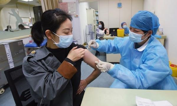 5 mẹo hữu ích đúng khoa học giúp giảm nhanh phản ứng phụ sau khi tiêm vắc xin nCoV - Ảnh 1