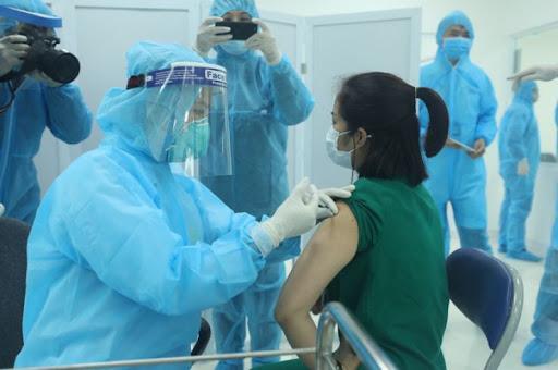 Hiệu lực của 8 loại vắc xin ngừa Covid-19 được phê duyệt tại Việt Nam - Ảnh 3