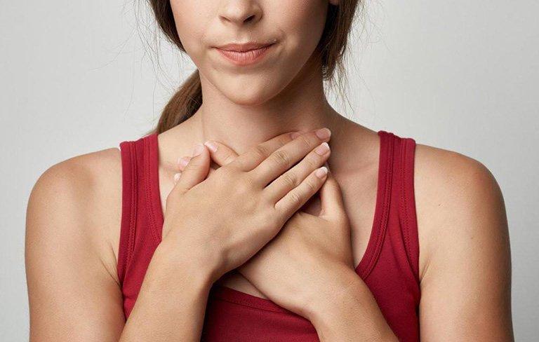 Triệu chứng điển hình của bệnh ung thư tuyến giáp, không muốn bệnh di căn hãy đến bệnh viện kiểm tra ngay - Ảnh 2