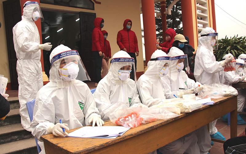 Ghi nhận thêm ca bệnh mang biến chủng virus mới, lây nhiễm nhanh hơn - Ảnh 1
