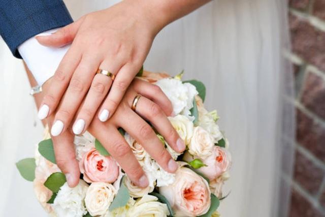 Hoãn cưới lên xuống chỉ vì 'cô Vy' - Ảnh 1