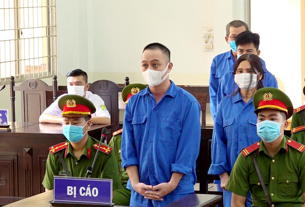 28 năm tù dành cho nhóm đối tượng tổ chức đưa người Trung Quốc xuất cảnh trái phép - Ảnh 1