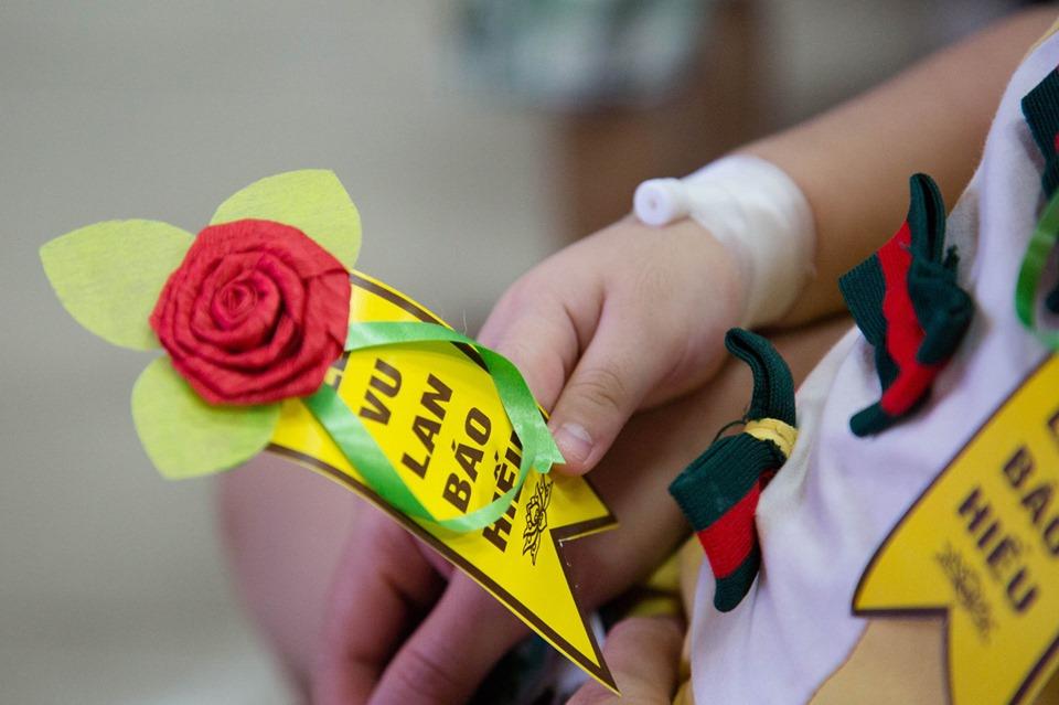 Hà Nội: Nghẹn ngào nước mắt nghe bệnh nhi hát 'Mẹ yêu ơi' trong Vu Lan báo hiếu ở bệnh viện  - Ảnh 11