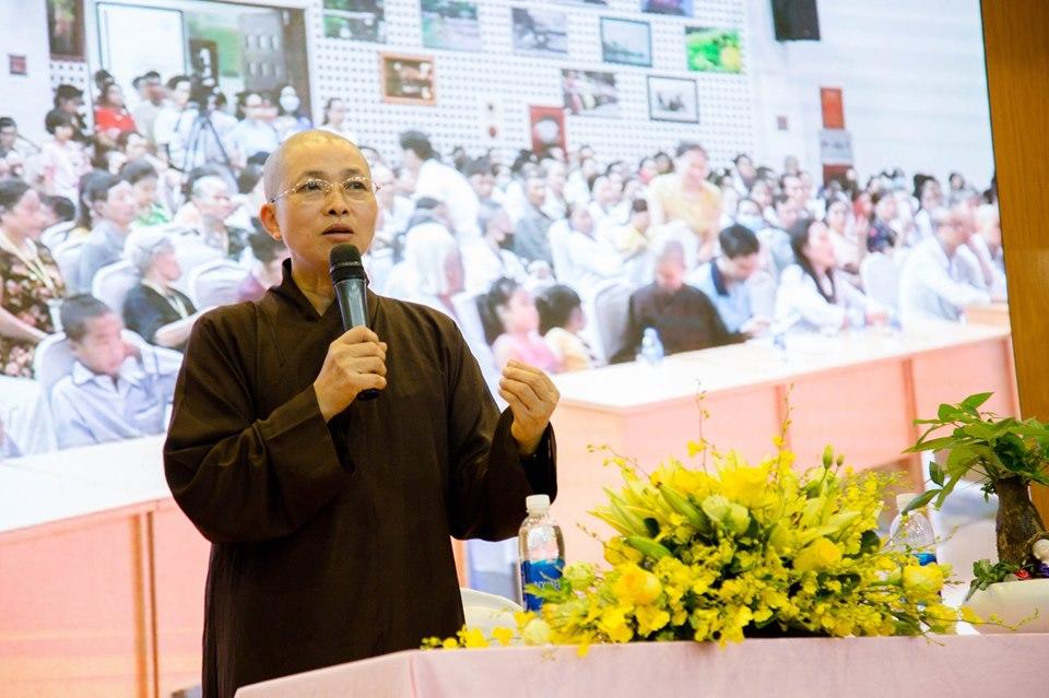 Hà Nội: Nghẹn ngào nước mắt nghe bệnh nhi hát 'Mẹ yêu ơi' trong Vu Lan báo hiếu ở bệnh viện  - Ảnh 2