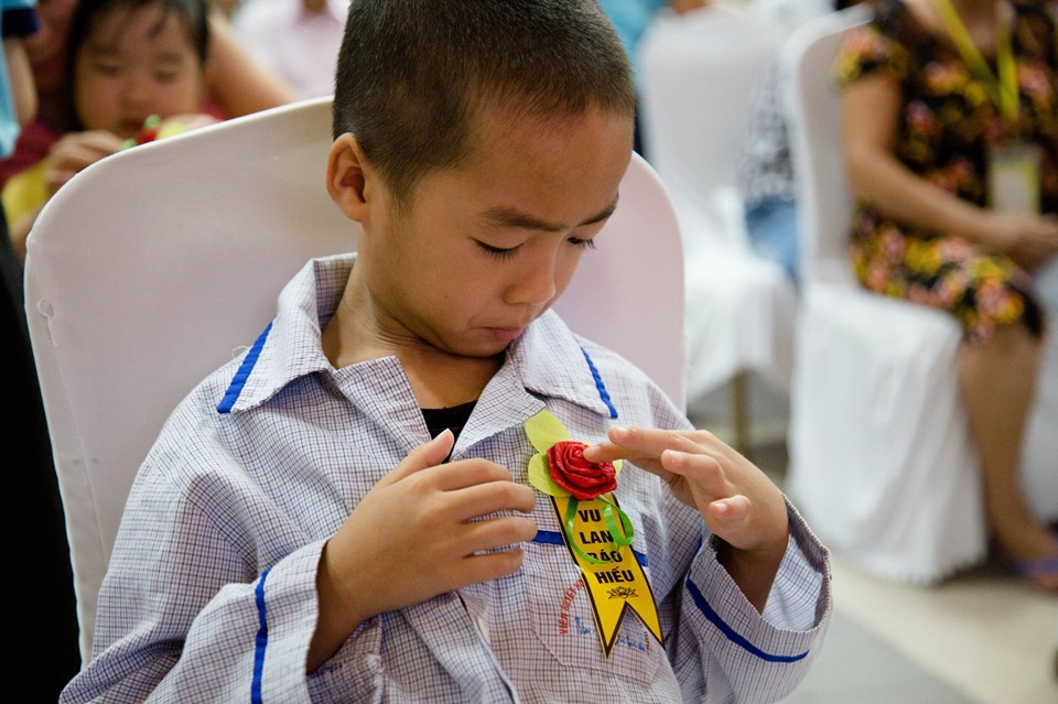Hà Nội: Nghẹn ngào nước mắt nghe bệnh nhi hát 'Mẹ yêu ơi' trong Vu Lan báo hiếu ở bệnh viện  - Ảnh 8