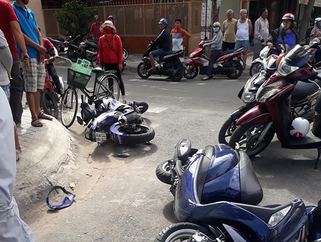 Nữ sinh viên đại học tông ngã tên cướp giật ở Sài Gòn - Ảnh 1