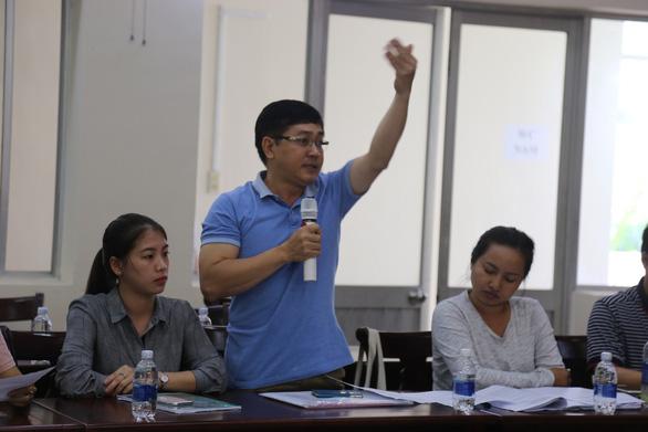 Ông Nguyễn Lương Toàn phát biểu tại buổi đối thoại - Ảnh: PHƯỚC TUẦN