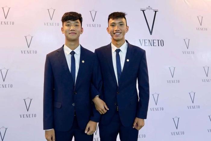 Đọ độ 'nam thần' của các cầu thủ U23 Việt Nam khi diện vest lịch lãm - Ảnh 11