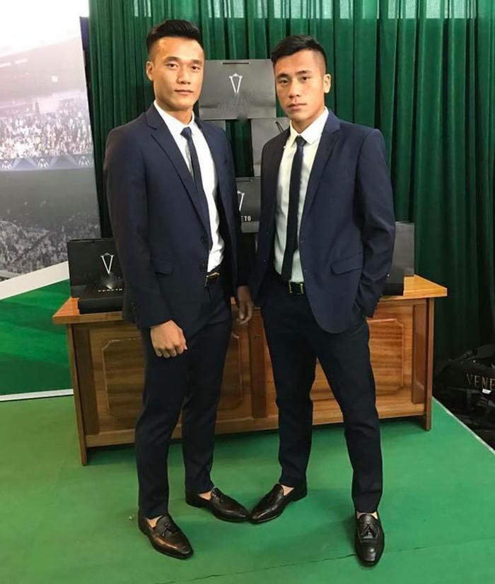 Đọ độ 'nam thần' của các cầu thủ U23 Việt Nam khi diện vest lịch lãm - Ảnh 9