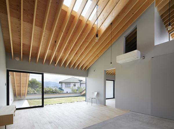 Ngoài ra, thiết kế này cho phép bạn có thể ngồi hoặc nằm trên mái để ngắm cảnh núi, bầu trời.