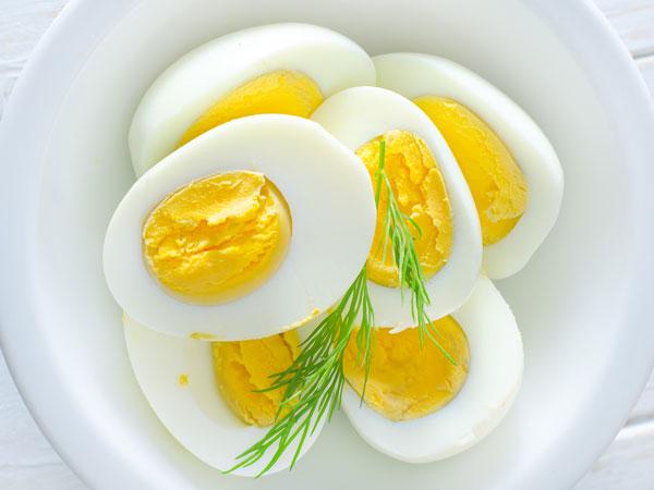 Trứng còn giúp kéo dài thời gian quan hệ, giảm nguy cơ rối loạn cương dương