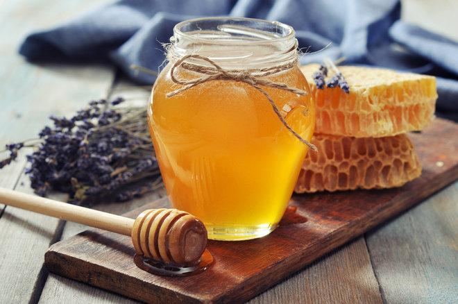 Tiêu thụ mật ong thường xuyên sẽ giúp đời sống tình dục của bạn trở nên thăng hoa hơn