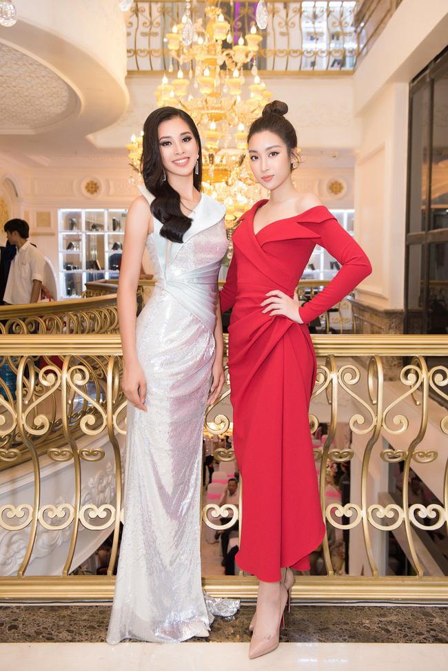 Vừa trở về từ Miss World 2018, Hoa hậu Tiểu Vy đã khoe nhan sắc rạng ngời với đầm body gợi cảm - Ảnh 5