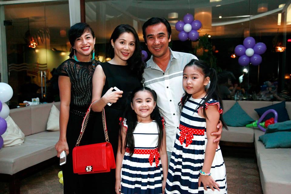 Con gái 13 tuổi của Quyền Linh được khen giống Tiểu Vy, dân mạng dự đoán là hoa hậu tương lai - Ảnh 10