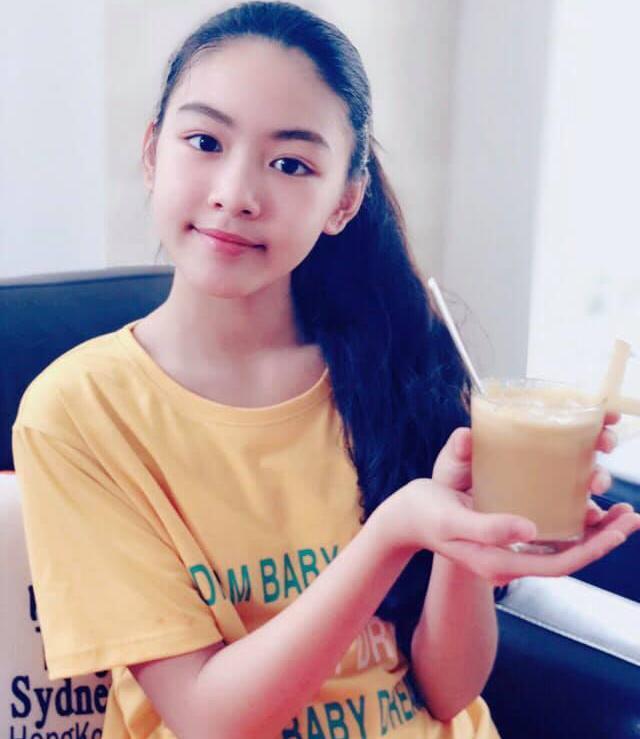 Con gái 13 tuổi của Quyền Linh được khen giống Tiểu Vy, dân mạng dự đoán là hoa hậu tương lai - Ảnh 4