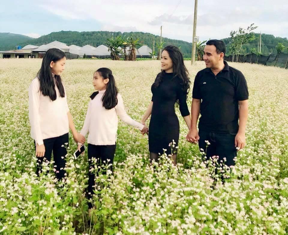 Con gái 13 tuổi của Quyền Linh được khen giống Tiểu Vy, dân mạng dự đoán là hoa hậu tương lai - Ảnh 8