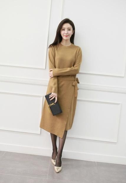 Gợi ý 5 cách chọn váy cho 'nàng mũm mĩm' thon gọn và sành điệu hơn trong mùa đông - Ảnh 2
