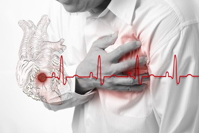 khi bị suy tim hoặc mắc các vấn đề liên quan đến thận, gan và phổi , bạn nên hỏi ý kiến bác sĩ để biết được cách uống nước tốt cho sức khỏe