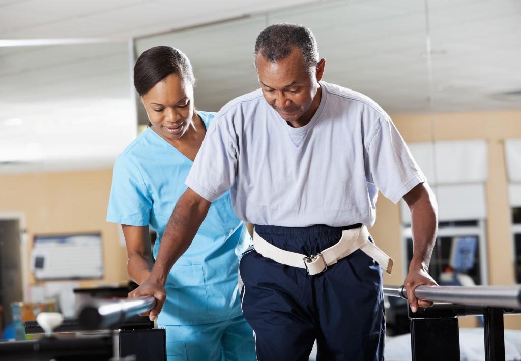 Tùy theo mức độ thoái hóa khớp của mỗi bệnh nhân mà có những bài tập điều trị phù hợp