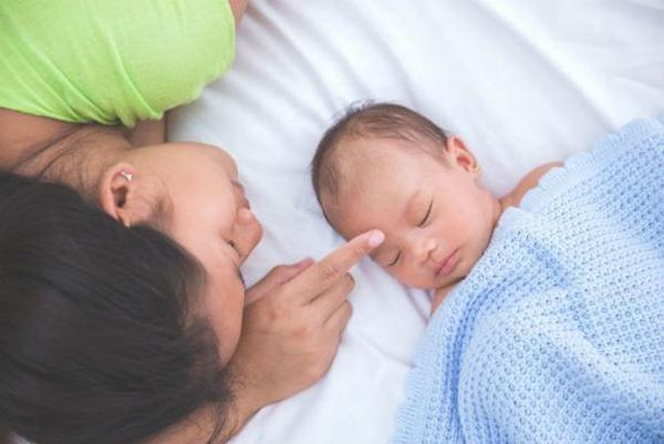 Trẻ đổ mồ hôi vào ban đêm – dấu hiệu cảnh báo những căn bệnh nguy hiểm - Ảnh 2