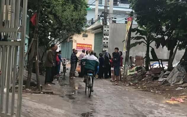 Bắc Ninh: Người dân bàng hoàng phát hiện thi thể trẻ sơ sinh còn nguyên dây rốn trong túi ni lông trước dãy phòng trọ - Ảnh 3