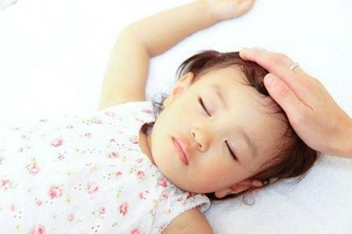 Dấu hiệu để biết trẻ thiếu canxi và cần phải bổ sung gấp! - Ảnh 1