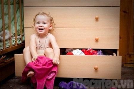 Nuôi day con trẻ: Khi nào cha mẹ nên cho trẻ mặc quần lót?