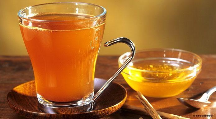 Trị mụn ẩn tại nhà với mật ong và trà xanh