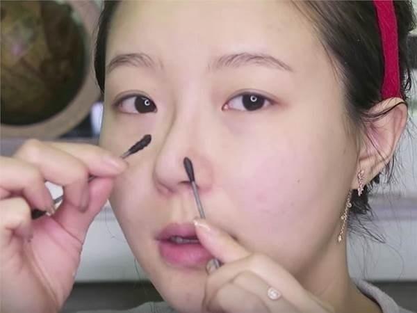 Sẵn có Vaseline lấy thoa lên da, mụn đầu đen chi chít cũng tự động chui ra bằng hết mà không cần nặn, không đau rát - Ảnh 5