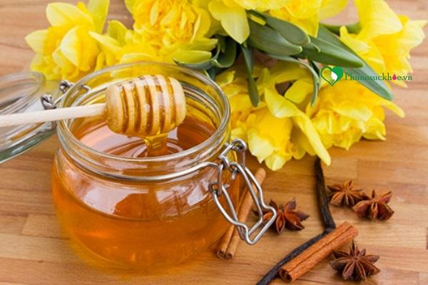 Mật ong giúp trị rụng tóc ở phụ nữ cực công hiệu