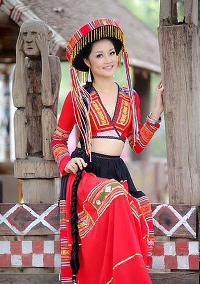 Cuộc sống khó thể ngờ của Hoa hậu Triệu Thị Hà sau khi kiên quyết trả lại vương miện - Ảnh 2