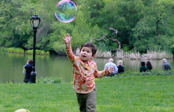 Những trò chơi đơn giản ngay tại nhà lại giúp bé phát triển trí não cực tốt - Ảnh 3