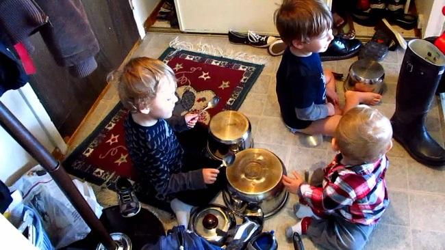 Những trò chơi đơn giản ngay tại nhà lại giúp bé phát triển trí não cực tốt - Ảnh 6