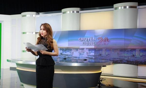Hậu trường ngày làm việc cuối cùng của BTV Trúc Mai tại VTV24 gây xúc động - Ảnh 2