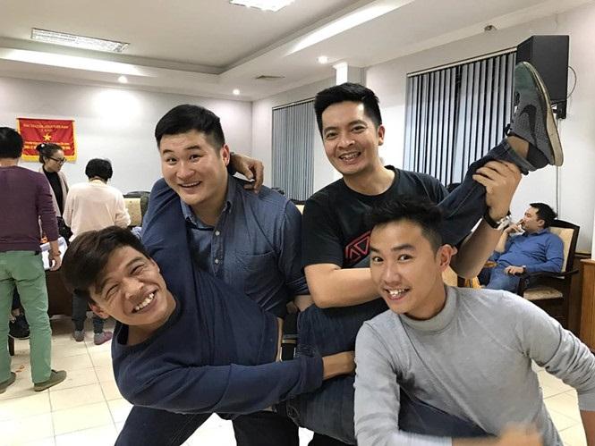 Cuộc sống của diễn viên bị chê 'xấu nhất showbiz Việt' Trung Ruồi
