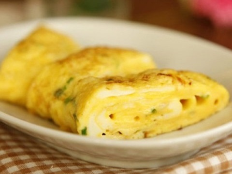 Vợ chỉ cần thêm 1 thứ này vào món trứng chiên, chồng sẽ thích, con sẽ mê - Ảnh 3