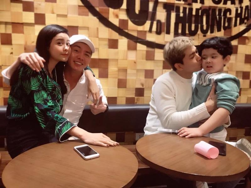 Trương Quỳnh Anh có phản ứng lạ khi bị 'ném đá' vì ngồi trong lòng người đàn ông khác ngay trước mặt chồng và con trai - Ảnh 2
