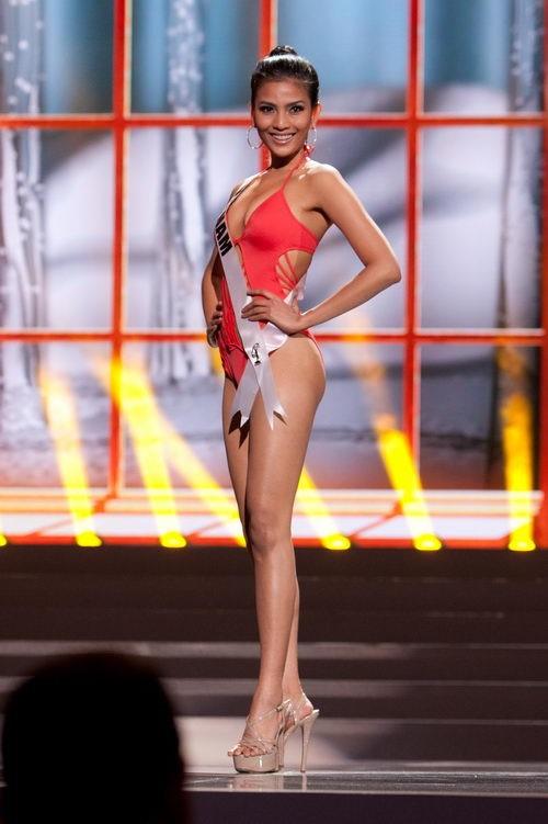 Những nàng da nâu mặc bikini chuẩn Tây của showbiz Việt - Ảnh 4