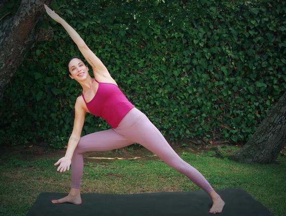 Những bài yoga hiệu quả không kém Kegel giúp cuộc 'yêu' luôn thăng hoa - Ảnh 2