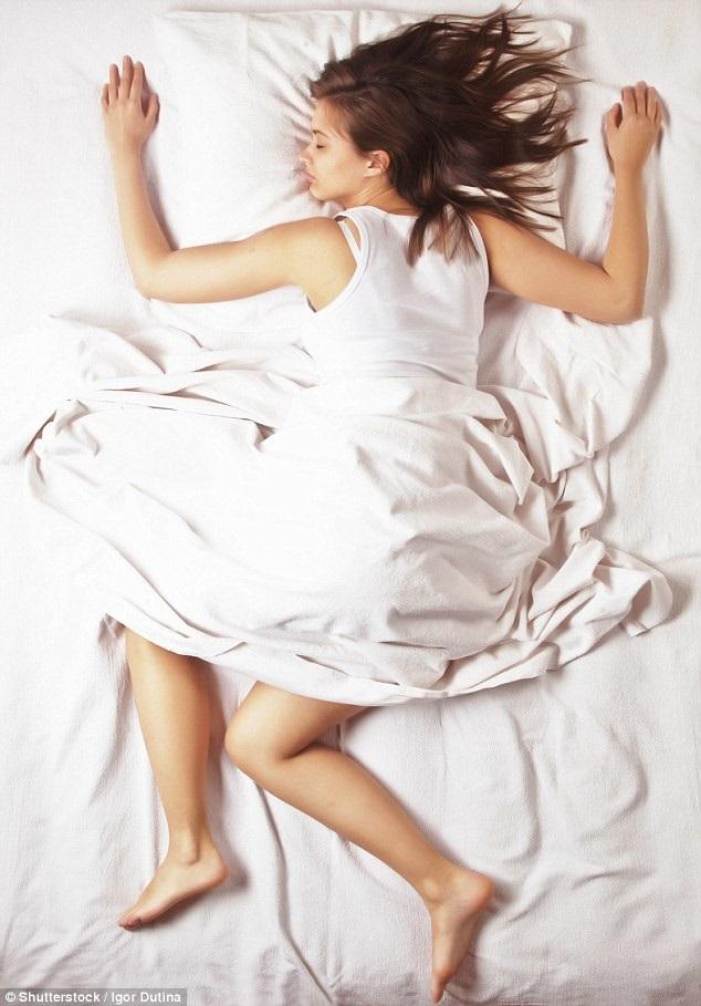 Đây là những sai lầm khi ngủ làm da chảy xệ ai cũng mắc phải - Ảnh 5