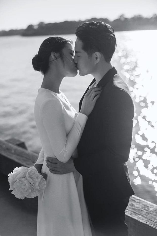 Đông Nhi diện 'sương sương' 10 mẫu váy cưới trong đám cưới thế kỷ với Ông Cao Thắng - Ảnh 3