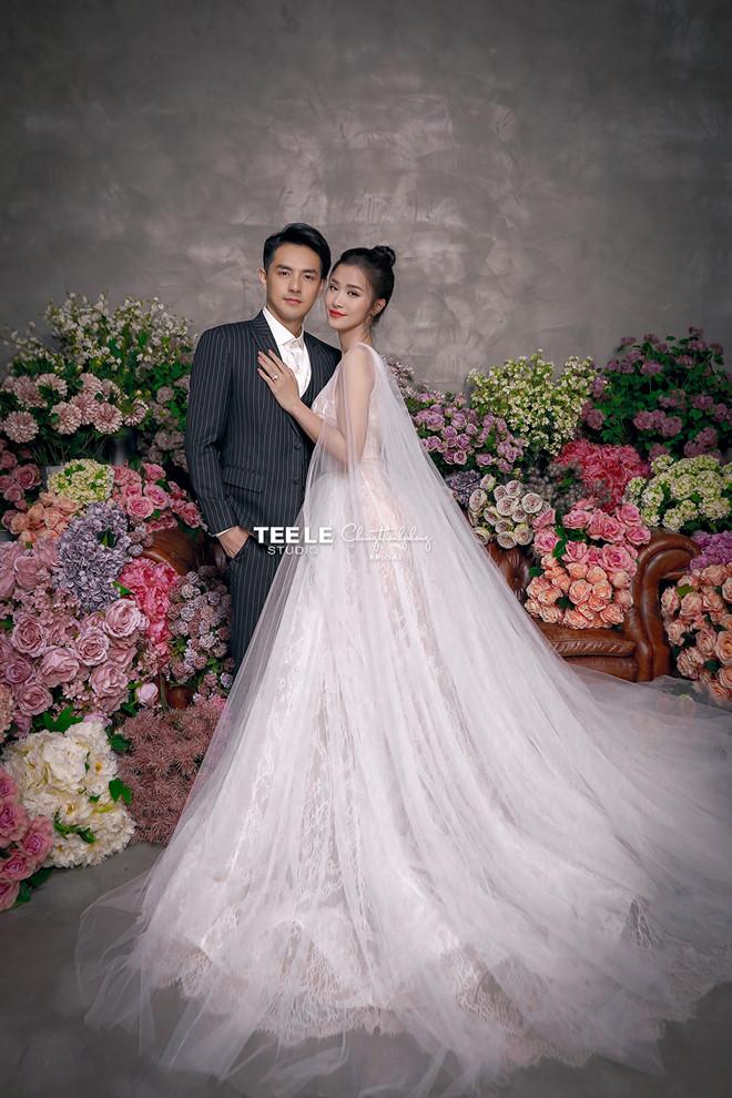 Đông Nhi diện 'sương sương' 10 mẫu váy cưới trong đám cưới thế kỷ với Ông Cao Thắng - Ảnh 11