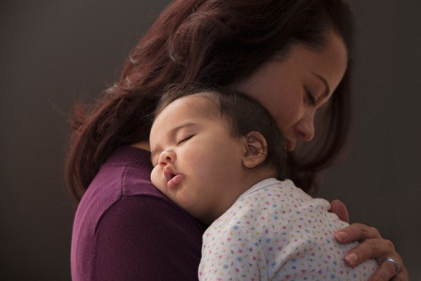 Tuyệt chiêu giúp con chìm sâu vào giấc ngủ chỉ trong vòng 1 phút - Ảnh 1