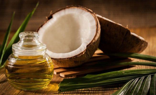 Nên <a target='_blank' href='https://www.phunuvagiadinh.vn/u-toc-bang-dau-dua.topic'>ủ tóc bằng dầu dừa</a> mấy lần 1 tuần là câu hỏi nhiều bạn gái phân vân