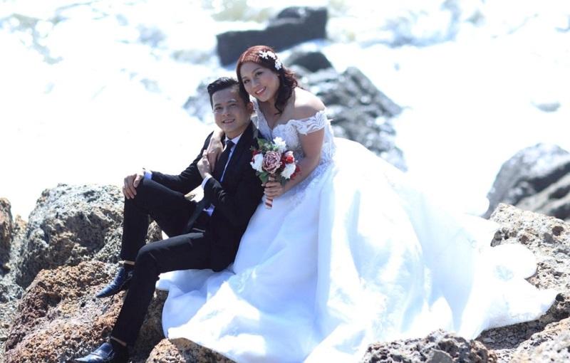 Ảnh cưới đầy lãng mạn của diễn viên Hoàng Anh và vợ Việt Kiều - Ảnh 6