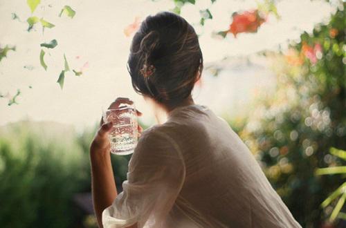 Uống 1 ly nước trong vòng 60 giây sau khi thức dậy, bạn sẽ thấy được điều kì diệu xảy ra - Ảnh 2