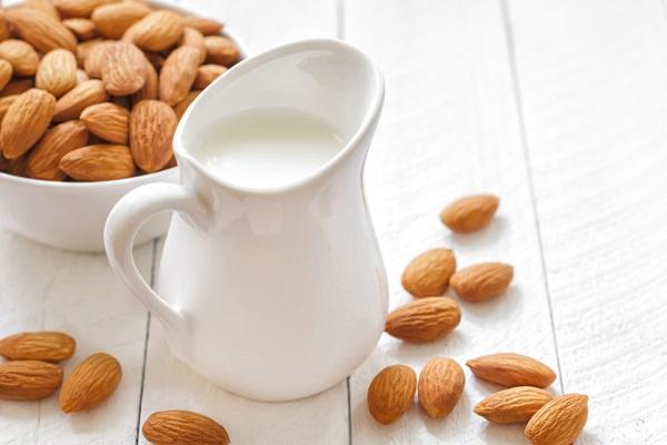 Uống 5 loại nước này trước khi đi ngủ giúp tiêu mỡ bụng hiệu quả - Ảnh 1