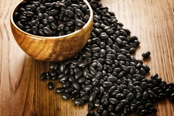 <a target='_blank' href='https://www.phunuvagiadinh.vn/uong-nuoc-dau-den.topic'>Uống nước đậu đen</a> giúp <i>giảm cân hiệu quả</i> hơn